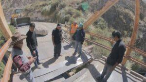 Puente en Caylloma colapsa y deja turistas varadas