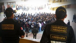 Detienen a sereno del provincial por supuesta violación sexual