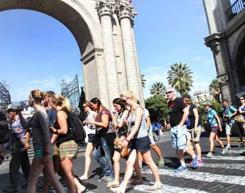 Turismo afectado por protestas.