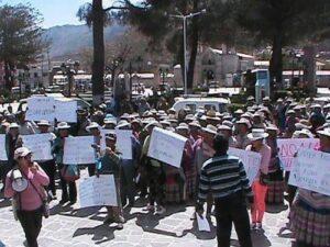 Acusan a alcalde de Coporaque de ser traficante de terrenos