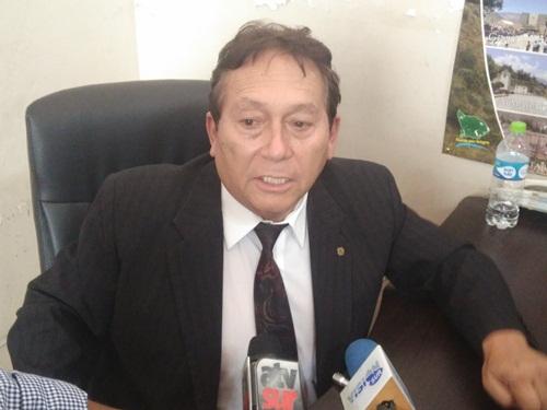 Consejero Edy Medina critica a prefecto Lozada.