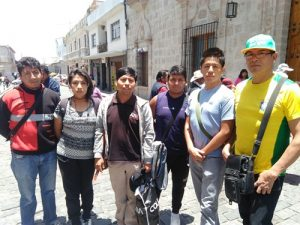 Estudiantes protestan por falta de docentes en instituto Carlos Baca Flor