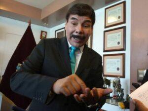 Alcalde niega favoritismo a empresa de grúas acusada de pagar coimas