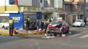 Hombre en estado de ebriedad choca su auto y ocasiona muerte