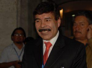 Alcalde Alfredo Zegarra firmaba resoluciones para favorecer a invasores