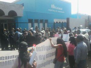 Asegurados de Essalud marcharon en contra del maltrato a pacientes
