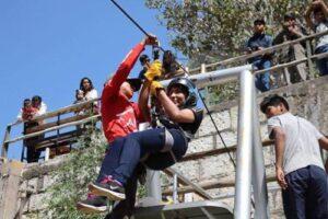 Vecinos de Carmen Alto presentan memorial para retirar tirolesa