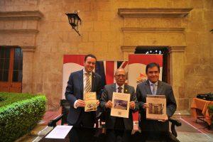 Donan colección de historiadora Morgan a Biblioteca Regional Mario Vargas Llosa