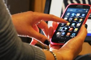 ¿Cómo evoluciona el mercado de telefonía móvil en Arequipa?
