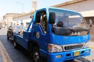 Municipio de Arequipa contrató grúas innecesariamente, según Contraloría