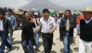 Video y documentos demostrarían nexo entre alcalde de Arequipa y dirigente de invasores