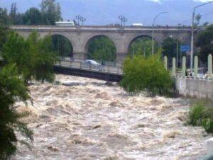 Por lluvias, caudal del río Chili aumenta hasta los 70 metros cúbicos
