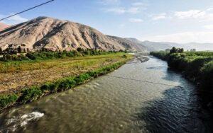 Persiste contaminación por metaloides en río Tambo y canales