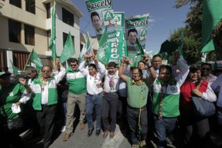 Elecciones 2018. Arequipa Renace armó show durante inscripción de candidatos