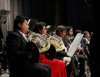 Concierto de la Orquesta Sinfónica bajo la dirección de Edward Carroll