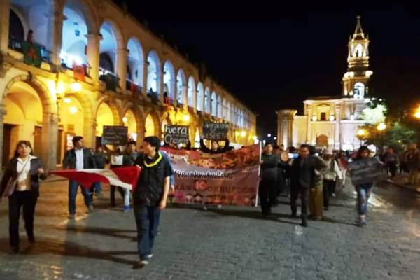 arequipa protesta carhuancho
