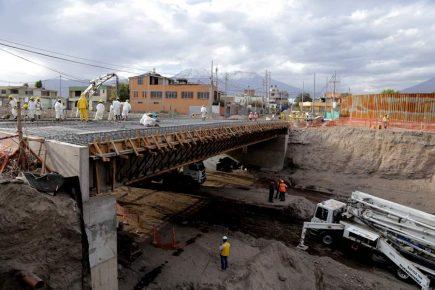 Declaran en emergencia tramo II de la Variante de Uchumayo por peligro para viviendas