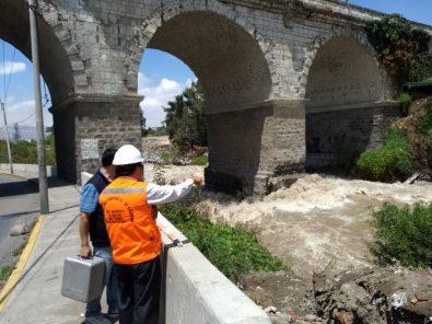 Autoridades decretan alerta roja por rebalse de represa Aguada Blanca