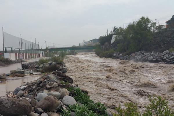 Río Chili lluvias en Arequipa