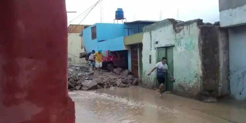 Presidente de Perú visita zona afectada por lluvias