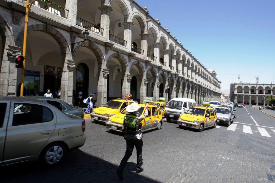 taxis plaza de armas arequipa