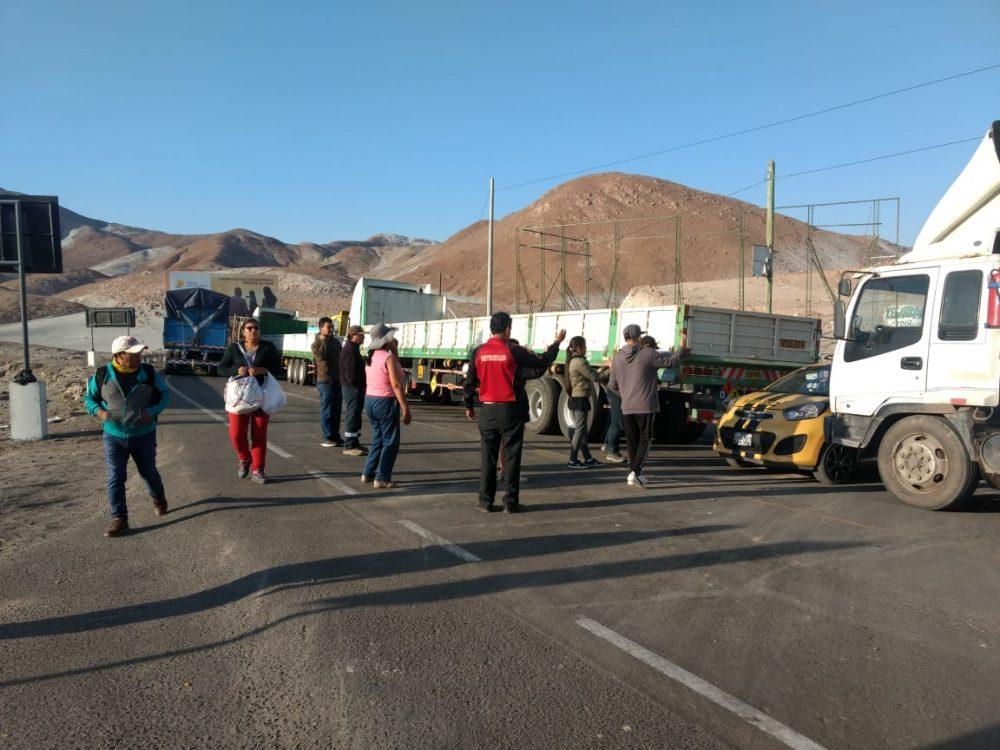 arequipa camioneros bloqueo trifulca