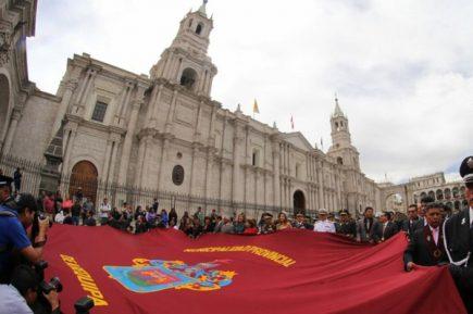 Consejero presenta confuso proyecto para cambiar símbolos y el himno de Arequipa