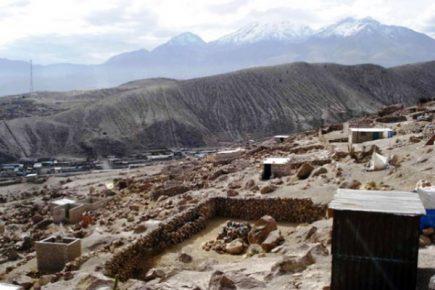 Invasores lotizan terrenos a solo 10 kilómetros de distancia del cráter del Chachani