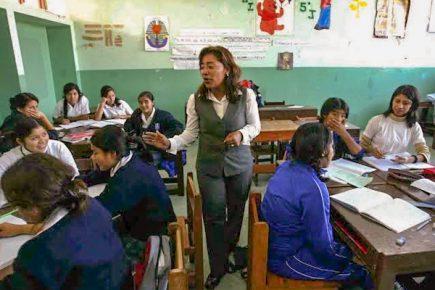 Pagos irregulares, filtraciones de lluvias y daños estructurales en colegios a inicio de año
