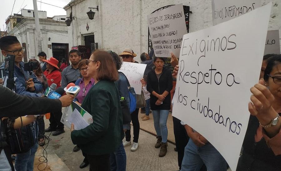 vecinos protestan por obras no planificadas