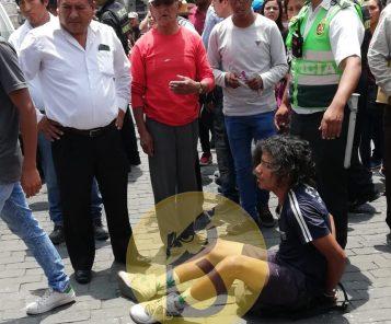Venezolano acuchilla a su compatriota en plena Plaza de Armas (Video)
