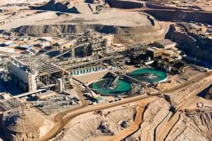¿Cuánto le debería pagar Cerro Verde a Sedapar por el agua de La Enlozada?