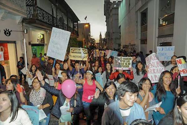 Arequipa movilización día internacional de la mujer actividades
