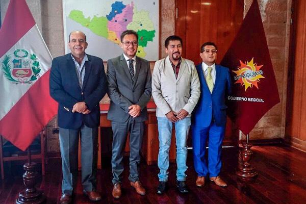 Arequipa: Empresarios satisfechos con avances de gestión de Elmer Cáceres Llica