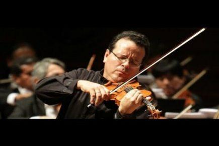 Carlos Johnson, el violinista que motiva la descentralización musical