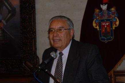 La partida del arequipeñista Juan Guillermo Carpio Muñoz y su inacabable legado