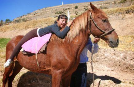Implementarán terapia con caballos para niños con habilidades especiales