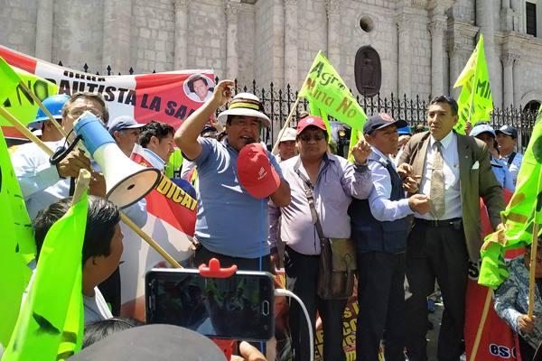 Arequipa protesta contra tia maría y las bambas
