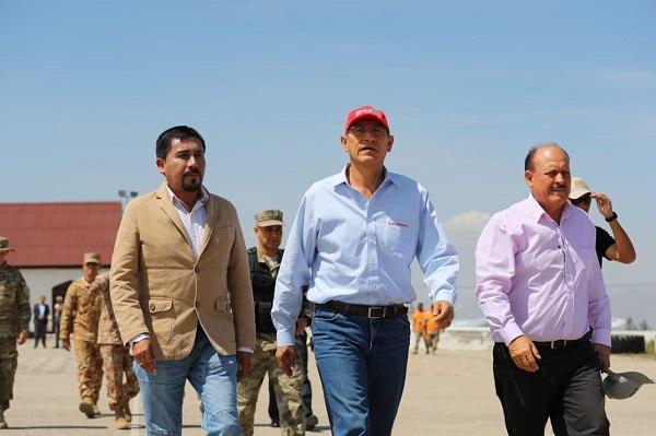Presidente Martín vizcarra llega a arequipa según gobernador Elmer Cáceres