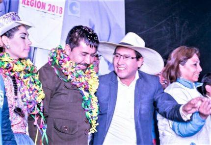 Tres hermanos de asesor de Elmer Cáceres Llica trabajan en el Gobierno Regional