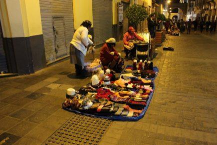 """De noche """"La Mercaderes"""" es tierra de mercaderes (fotos)"""