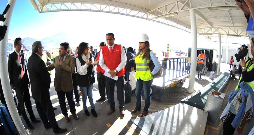 Visita Alejandra Aramayo aeropuerto Rodríguez Ballon