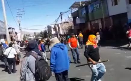 Construcción Civil: Violentos enfrentamientos con policías deja 21 heridos