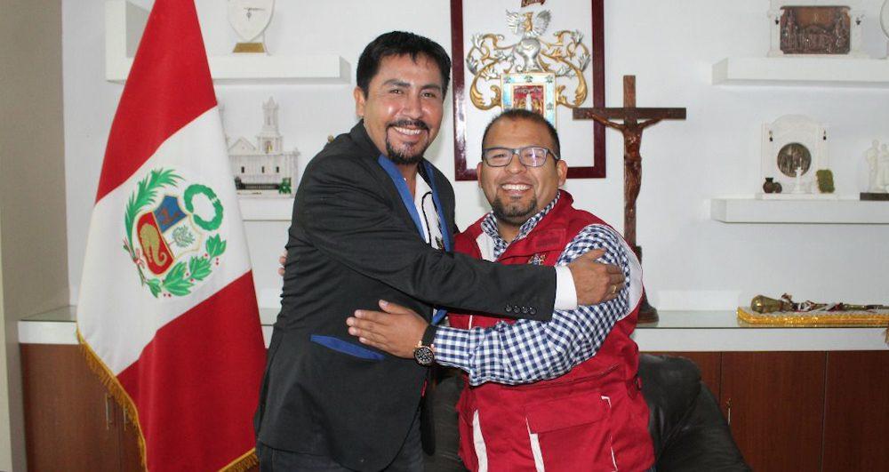 Arequipa Omar Candia Elmer Cáceres reunion obras arequipa