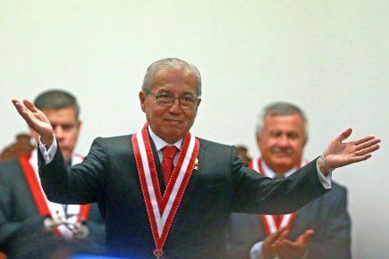Fujimorismo vuelve a blindar a Pedro Chávarry en el Congreso