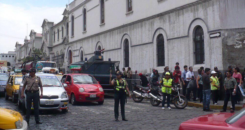 municipalidad arequipa cierre calle san juan de dios protestas comerciantes