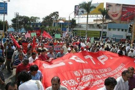 Paro Nacional: Entre bloqueo de vías, detenidos y enfrentamientos con la PNP
