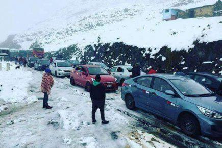 Intensa nevada afecta carretera que une a Arequipa con Cusco y Puno