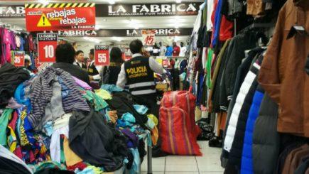 Ropa destinada a donaciones se vendía en centro comercial de Arequipa
