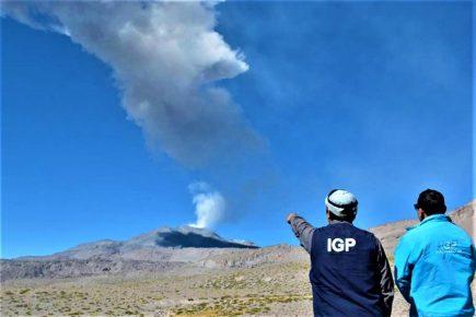 Ubinas: IGP exhorta a elevar alerta tras incremento de actividad sísmica
